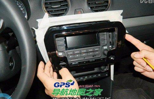 车载导航安装:一汽大众新捷达车载导航一体机安装
